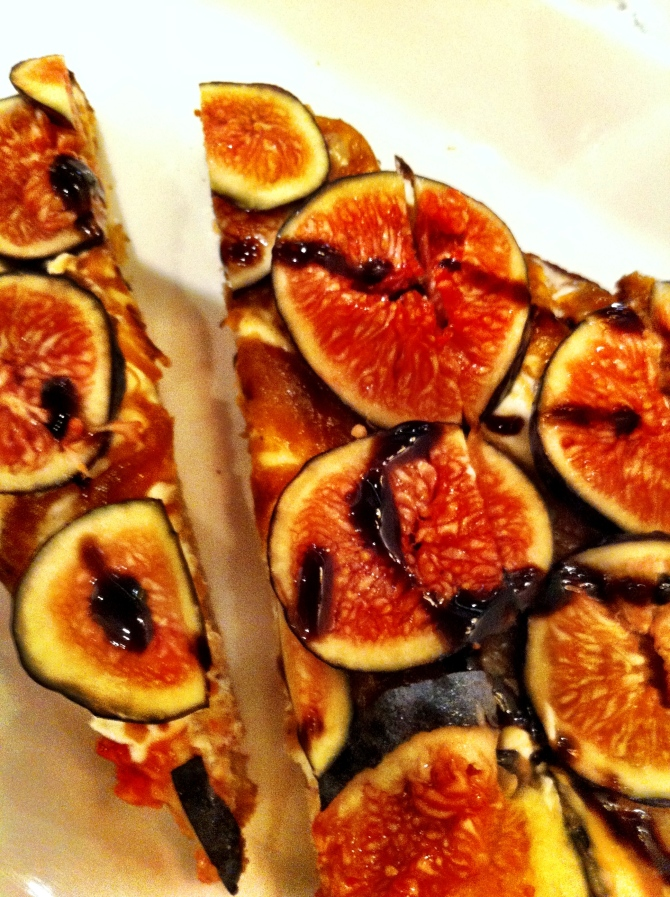 Tartine Chèvre & Figues: Goat cheese, caramelized onions, fresh Mission figs, balsamic reduction